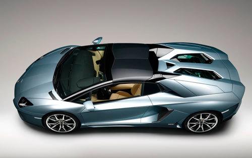 Lamborghini-Aventador-LP-700-4-Roadster- 3