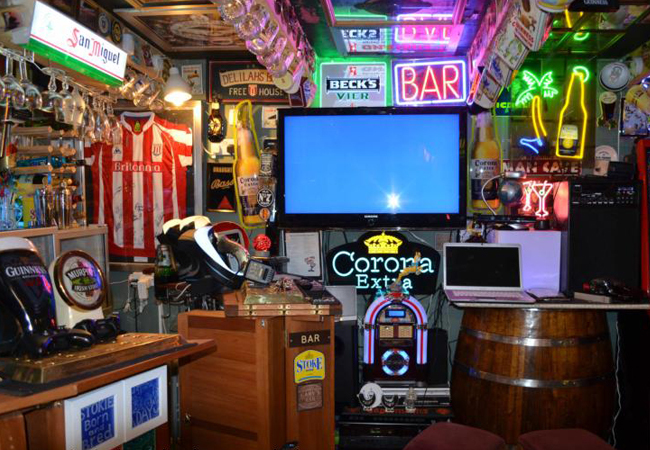 Man Cave Enter The Garage Far Cry : Incredible shed pubs